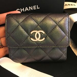 Chanel Small Flap Wallet Iridescent Black